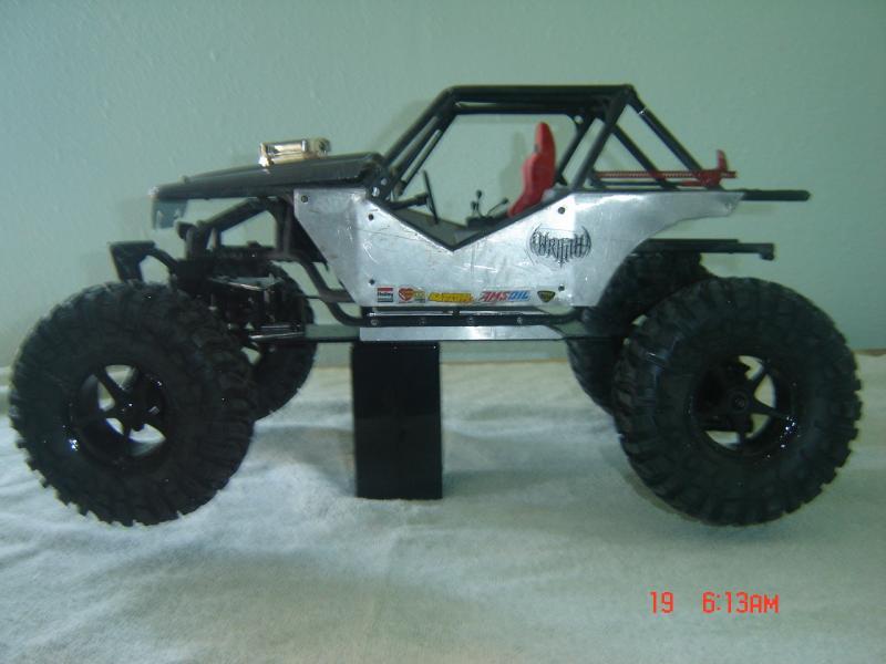 Toyota Axial Wraith vu ici en photo.... voici une vidéo ! 202415d1341883517-9
