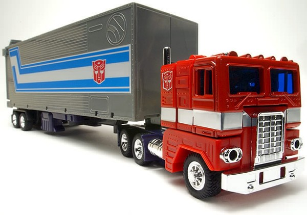 Name:  1984_optimus_prime__xac__freightliner_cabover_toy.jpg Views: 783 Size:  57.9 KB